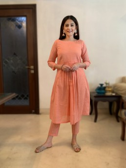 Buy Shades Of Peach Kurta And Pants Set For Women  in Delhi